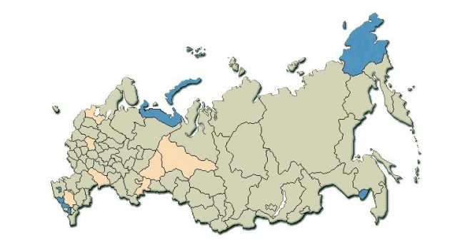 Желтым на карте выделены те регионы, в которых присутствие ЕР выше среднего по стране, синим – ниже