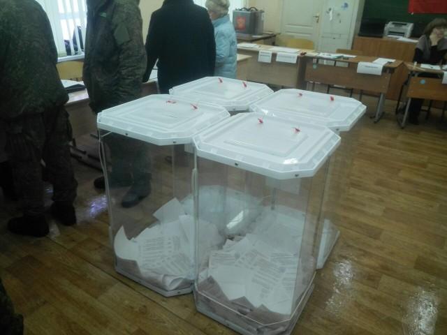 УИК № 3939, стационарные ящики, фото: В. Егоров