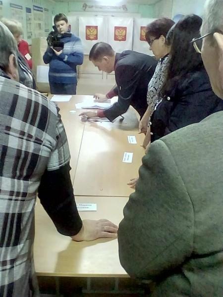 УИК 3933. Подсчет голосов. Фото: О. Белгородский